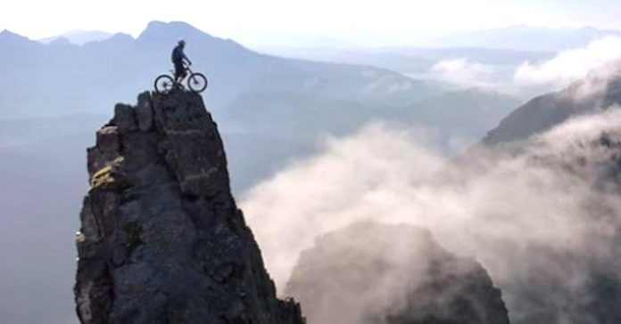 el ciclista loco consigue imagenes espectaculares