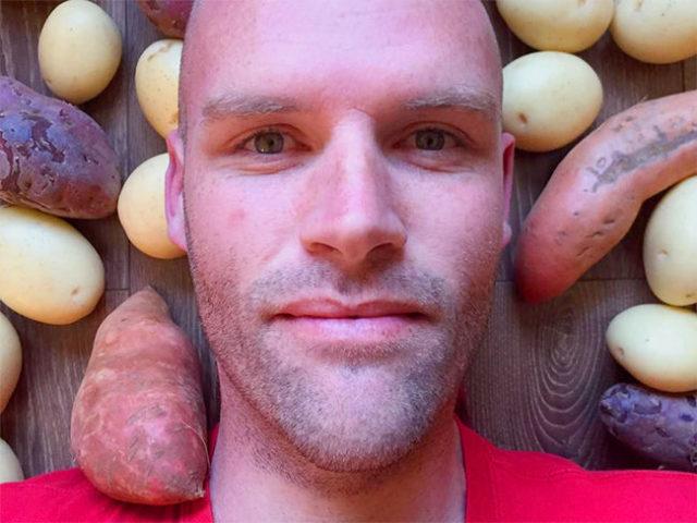 Un hombre se transforma radicalmente comiendo patatas durante 313 días