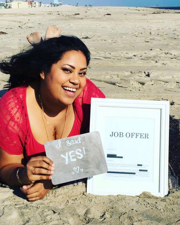 Una mujer publica la motivadora oferta de trabajo que recibió con la que se acabó haciendo una sesión de fotos
