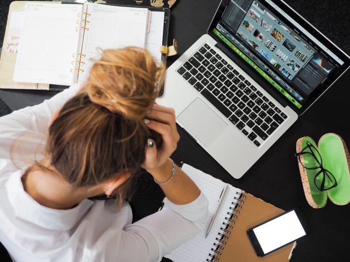 10 Síntomas causados por la ansiedad que siempre se suelen confundir