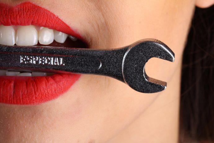 5 Trucos para recuperar el esmalte y el blanco de tus dientes