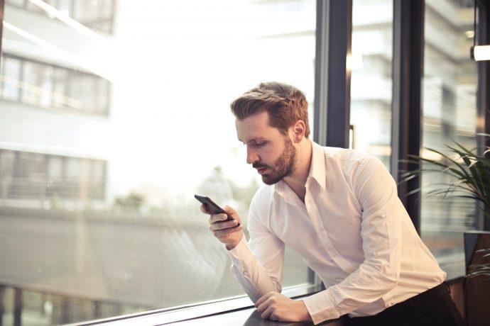 3 Cosas por WhatsApp que pueden estar arruinando tu relación