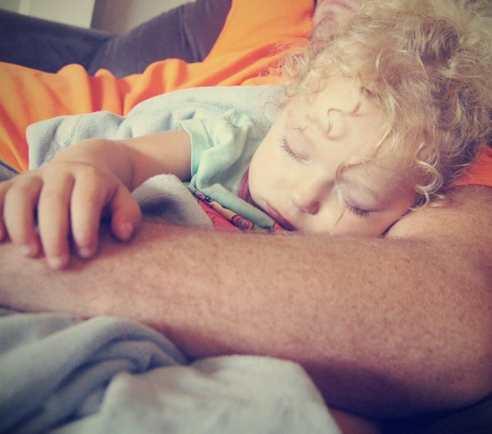 hand person leg finger sleeping child 654188 pxhere.com