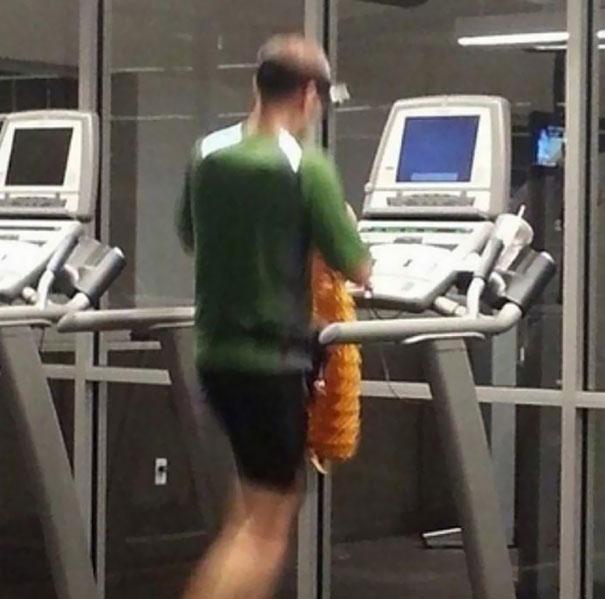 Las 20 Situaciones más surrealistas que se encontraron los monitores de gimnasio