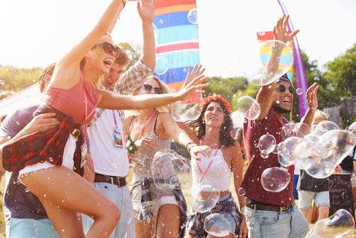 Beber alcohol ya no está de moda y los jóvenes ya tienen nueva actividad para sustituirlo