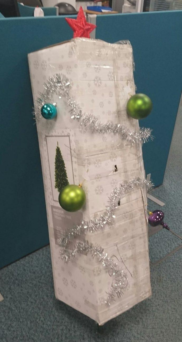 20 Geniales ideas que tuvieron gente vaga para decorar sus casas por Navidad